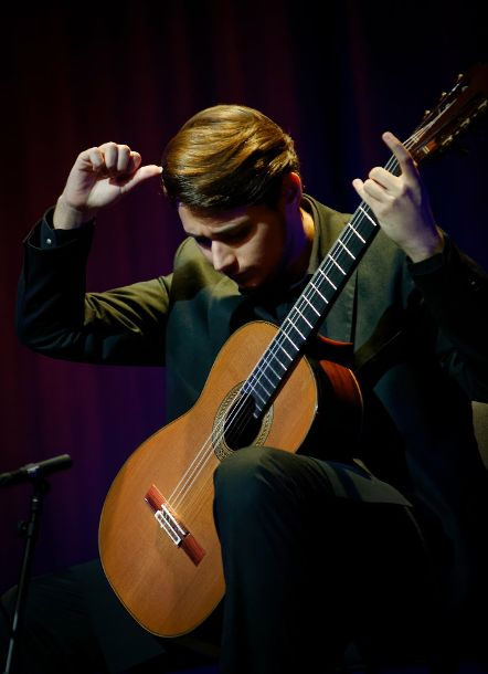 ELIA PORTARENA IS THE WINNER OF THE EUROSTRINGS  SCHOLARSHIP FOR THE GUIMARÃES INTERNATIONAL GUITAR FESTIVAL 2019